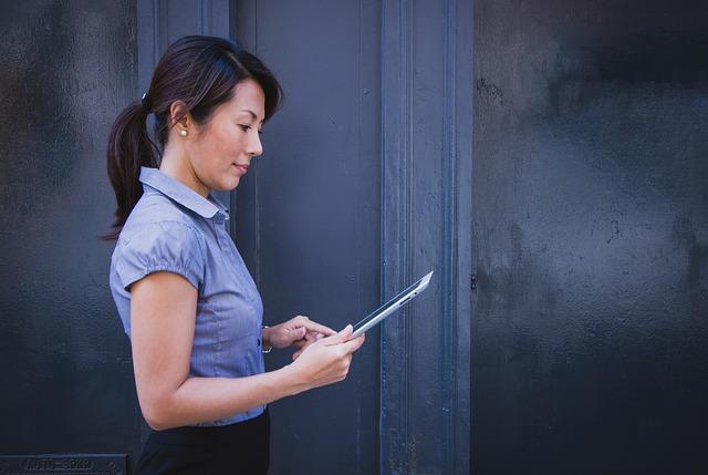 女性 仕事 photo